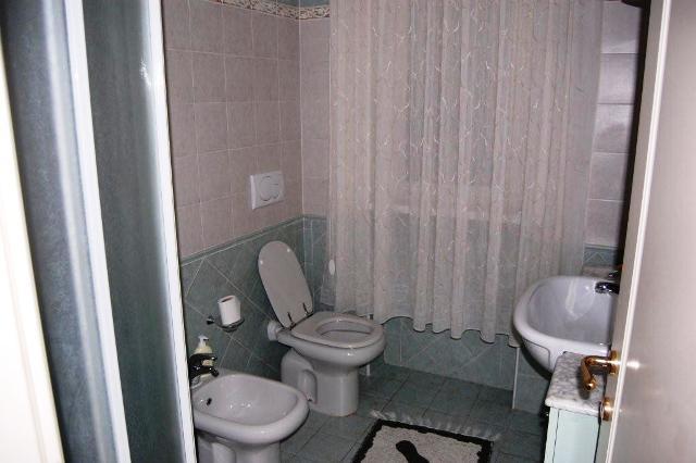 Vendite appartamenti marina di massa appartamento con grande terrazza e posto auto agenzia - Bagno la cicala marina di massa ...
